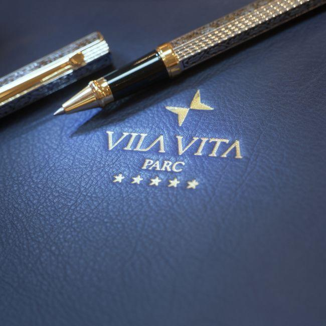 Vila Vita Parc Pen and dossier