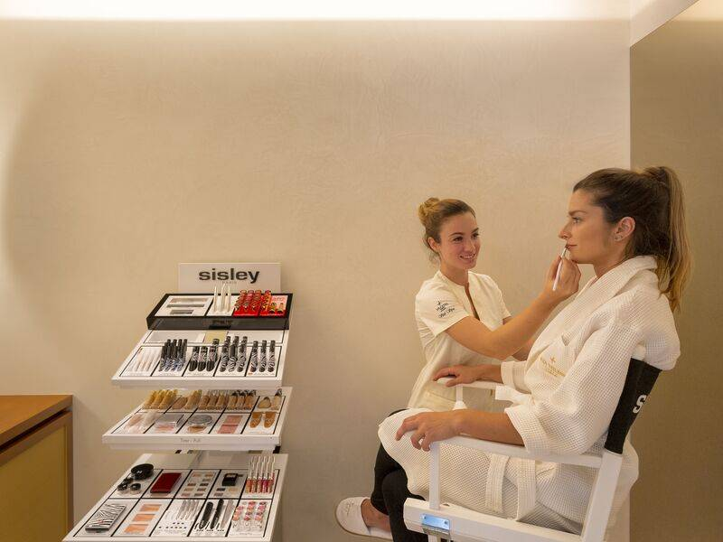 VILA VITA Spa makeup treatment.