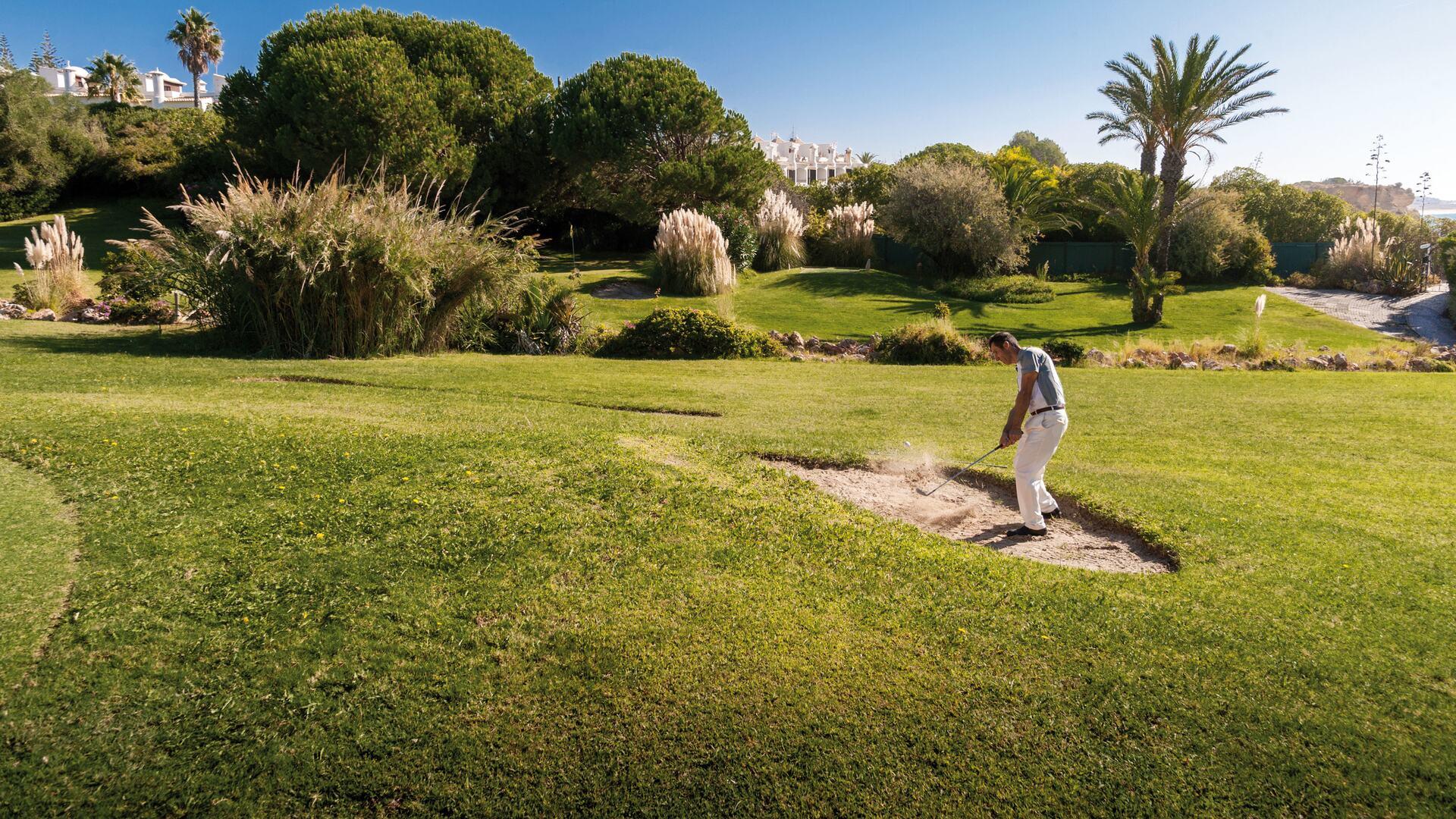 Golf activities available at Vila Vita Parc.