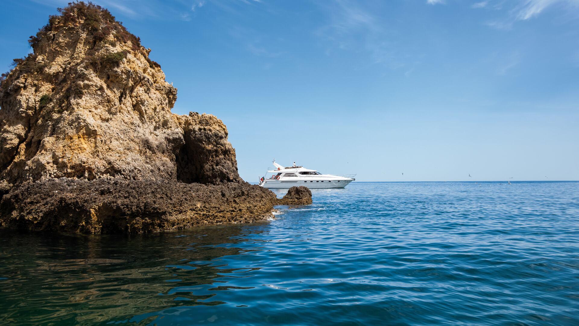 Yacht experiences provided by Vila Vita Parc