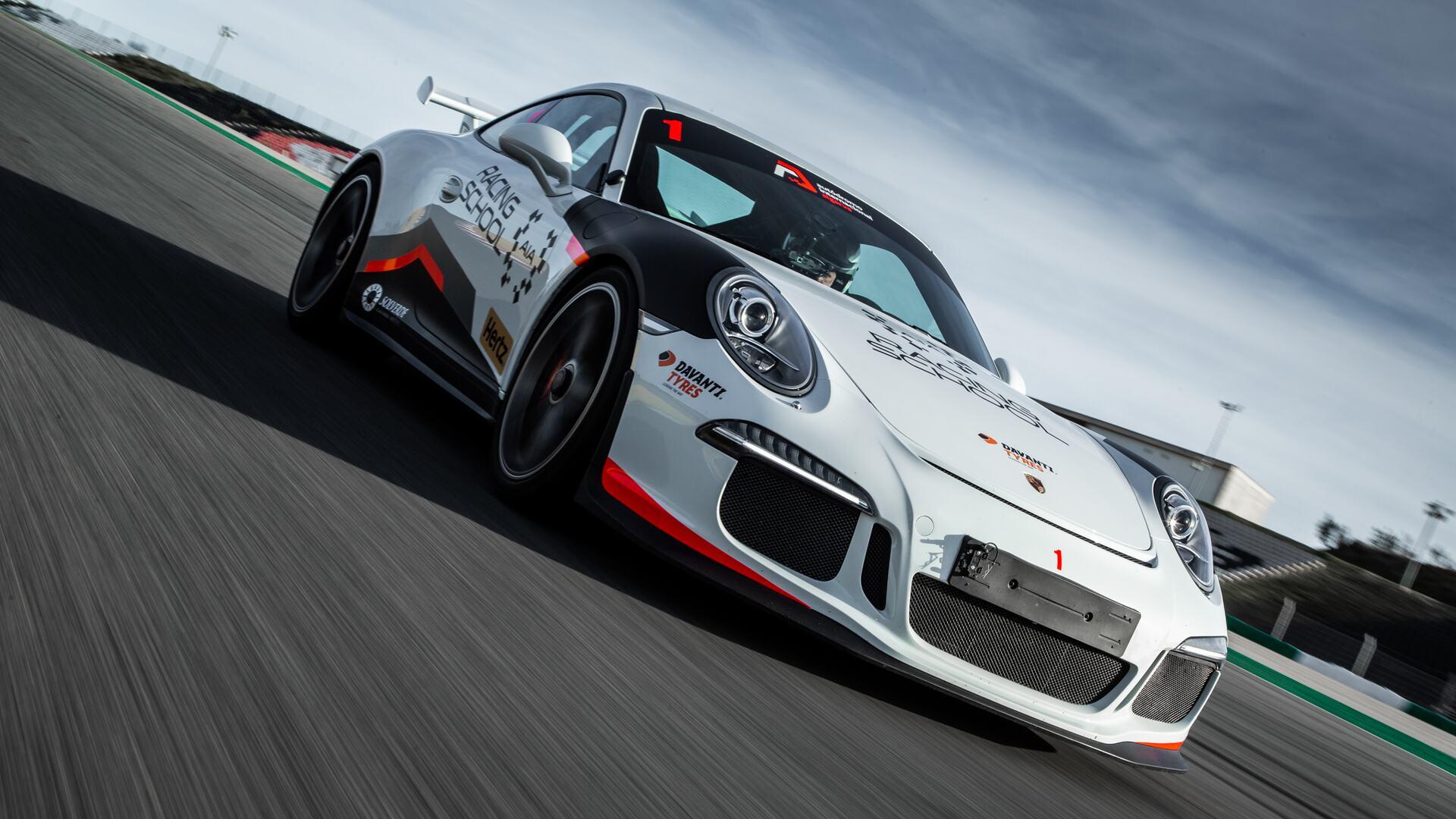 Autódromo Internacional do Algarve: Porsche car.