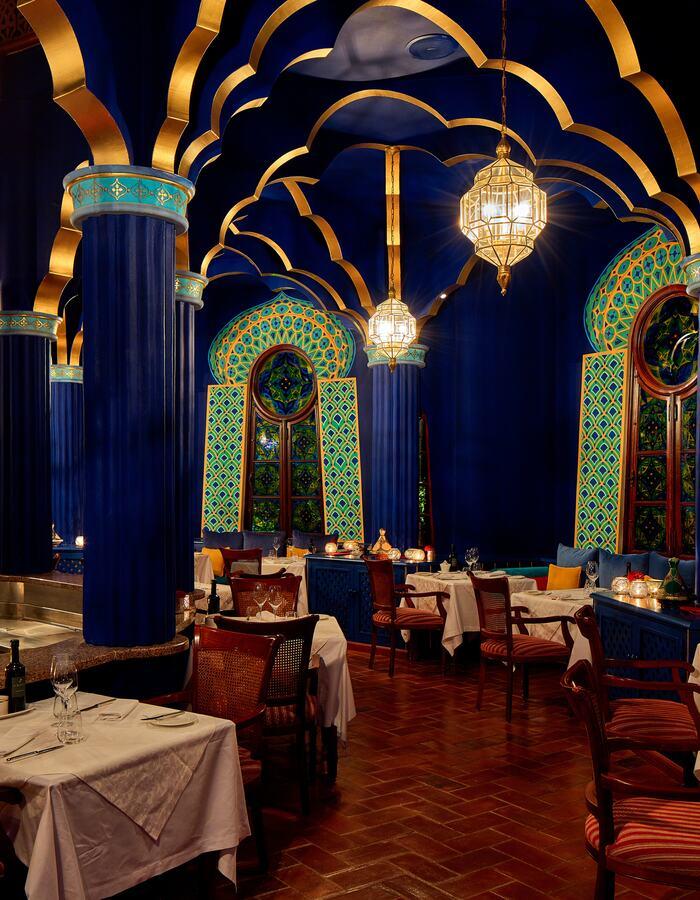 Aladin Grill Green Pillars