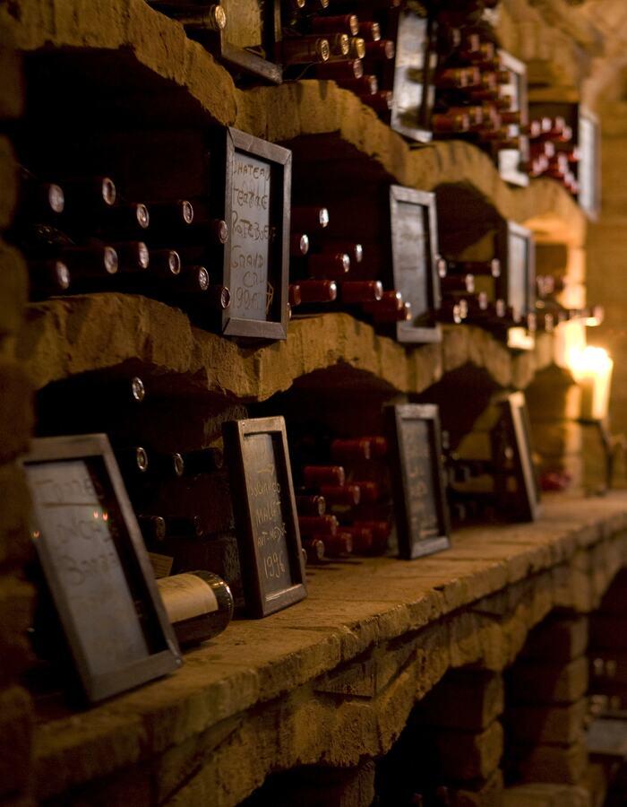 Cave de Vinhos wine cellar